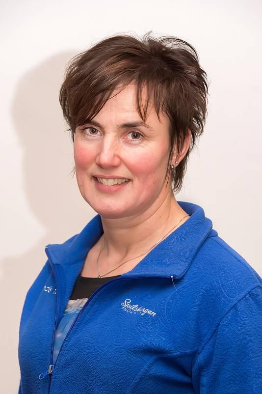 Lisette van Oosterhout (49) uit Made is boerin sinds 1988. Ze is mede-eigenaar, belast met verzorging van de koeien en bewerken van het land.