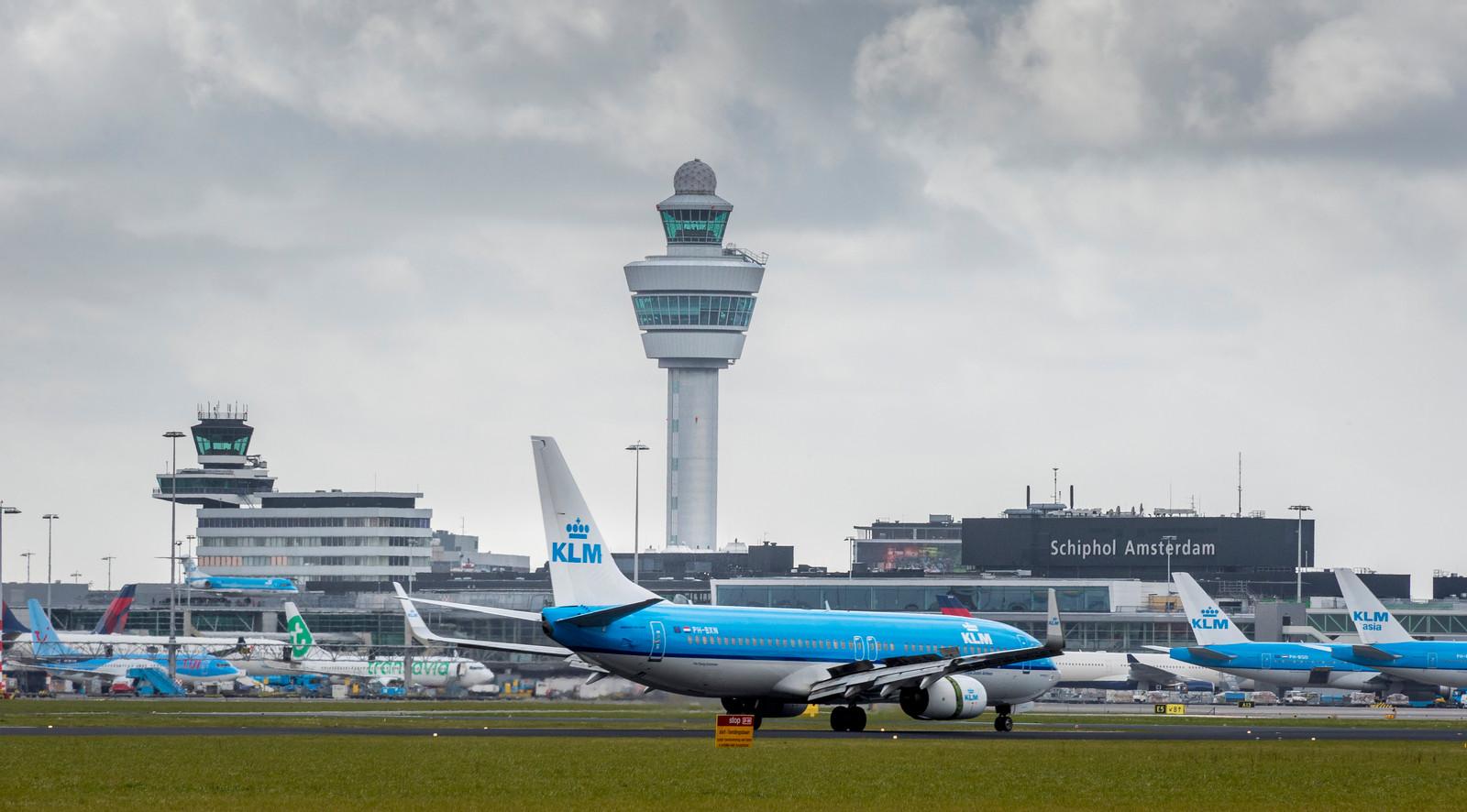 De Onderzoeksraad voor Veiligheid doet blijvend onderzoek naar de veiligheid van het vliegverkeer op en rond de luchthaven.