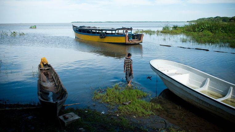 Het Meer van Nicaragua, het grootste zoetwaterreservoir van Centraal Amerika, zal door de aanleg van het kanaal verzilten, waarschuwen wetenschappers. Beeld Michele Sennesael