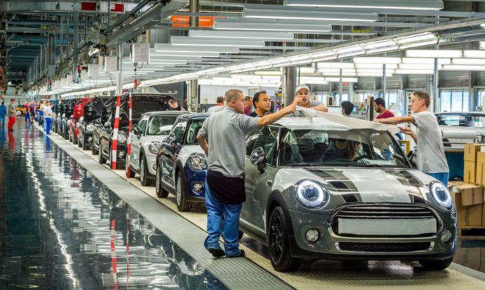 Ook autofabrikant VDL Nedcar in het Limburgse Born voelde de gevolgen van de handelsoorlog.