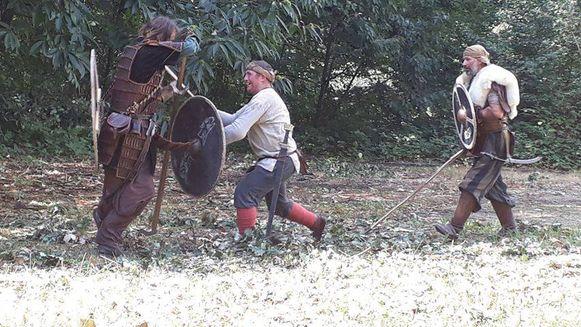 GEETBETS-bezoekers kunnen tijdens het Viking spirit event ook zelf verschillende dingen uitproberen