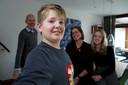De 11-jarige Syb met achter hem zijn ouders en zus. Hij heeft autisme en een verstandelijke beperking.