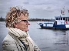 Roman van Nijmeegse schrijver Marcel Rözer: over hoe een veerman zijn levensangst kwijtraakt