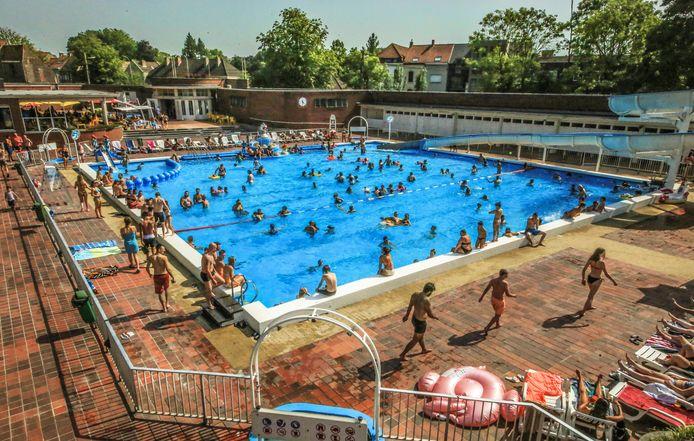 De stad neemt een aantal maatregelen voor een betere exploitatie van de zwembaden Abdijkaai en Lagaeplein.