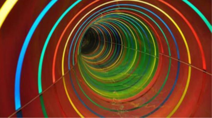 Voorbeeld van een tube glijbaan, zoals in zwembad de Sypel wordt voorgesteld.