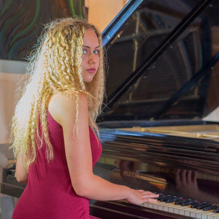 Blauw De Greve is gebeten door muziek en heeft een eerste hitje beet.