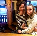 Nora Quiorin met haar moeder.