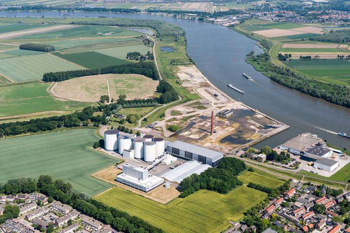 luchtfoto van suikerfabriek te puttershoek