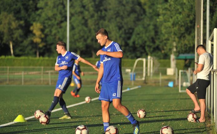 Mats Grotenbreg (42) traint met hoofdklasser DUNO mee.