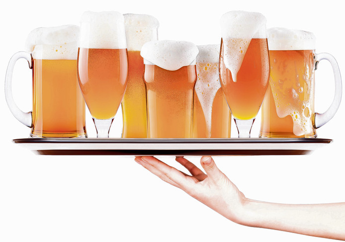 IPTCBron  boule13;Getty Images/iStockphoto  Frosty fresh beer with foam on a silver tray with waitress hand isolated;Not Released NR
