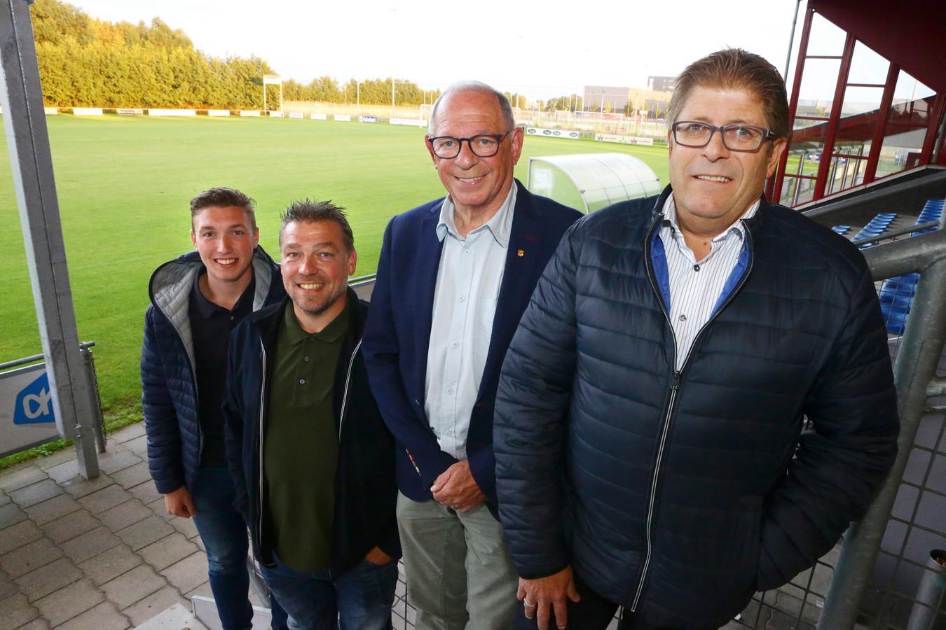 Raúl, Berry, Han en Bas Bruurmijn (v.l.n.r) zijn het DNA van RWB. De 17-jarige Raúl is sinds lange tijd de eerste van de familie die weer in het eerste elftal uitkomt.