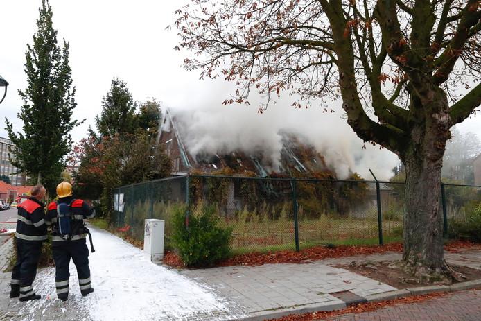 Brand aan de Iepenlaan in Eindhoven.