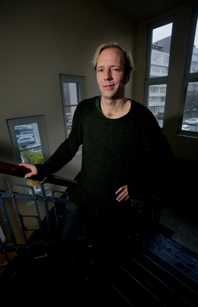 Stadskunstenaar Erik Sep wil in zijn 'nieuwe rol' graag iets op gang brengen in Dordrecht.