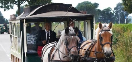 Nostalgisch paardentramritje door Kruisland