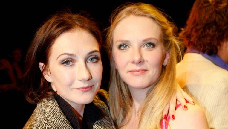Carice (links) en Jelka van Houten. © BRUNOPRESS Beeld