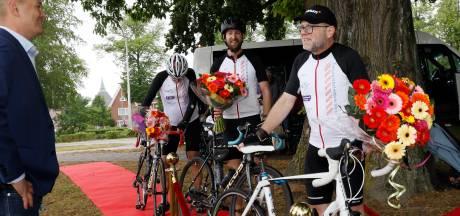 Oscar fietst bijna 6500 euro bij elkaar voor strijd tegen corona: 'Ik wil iets terugdoen voor iedereen in de zorg'