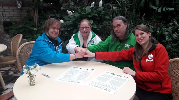 Janny Joosten (CU), Agnes Haveman (D66), Robin Wessels (GL) en Yara Hümmels (PvdA) ondertekenden het klimaatpact.