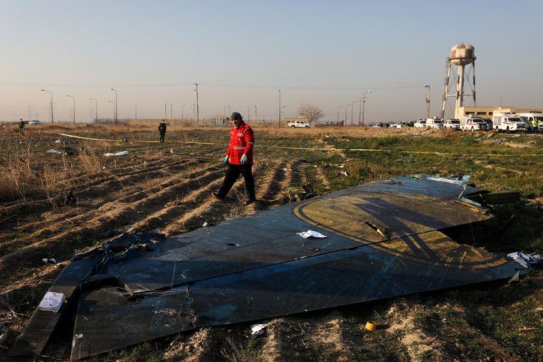 Restanten van de Oekraïense Boeing 737-800 die woensdag met 176 inzittenden neerstortte bij Teheran. Beeld null