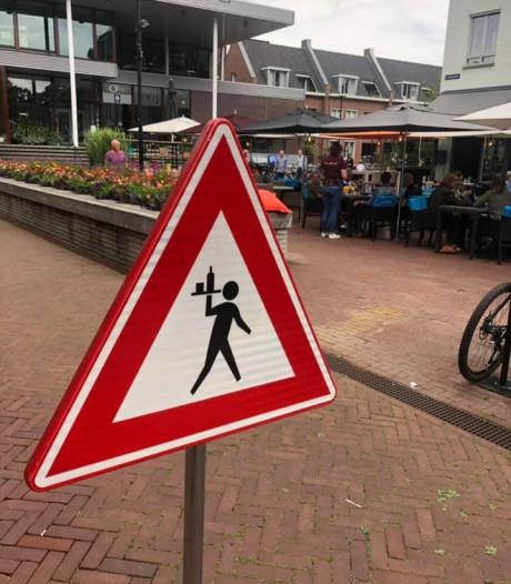 'Jolige dieven' tonen berouw in Oisterwijk: Brownies & Downies krijgt verkeersbord terug