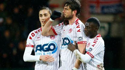 Avenatti en Stojanovic juichen amper na hun doelpunt