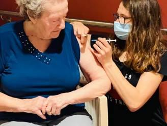 """146 bewoners Onze-Lieve-Vrouw van Lourdes gevaccineerd: """"Ook deel personeel kan vaccin al krijgen"""""""