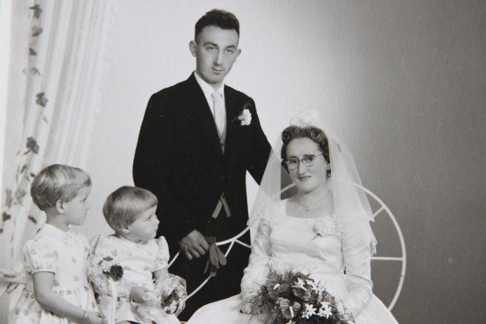 Maan en Annie Sebregts-Renders bij hun huwelijk op 22 oktober 1960.
