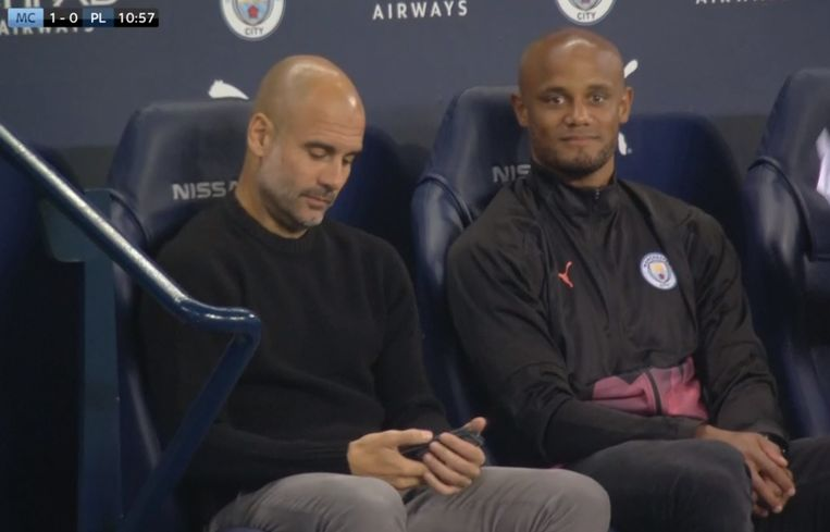 Guardiola en Kompany in de dugout