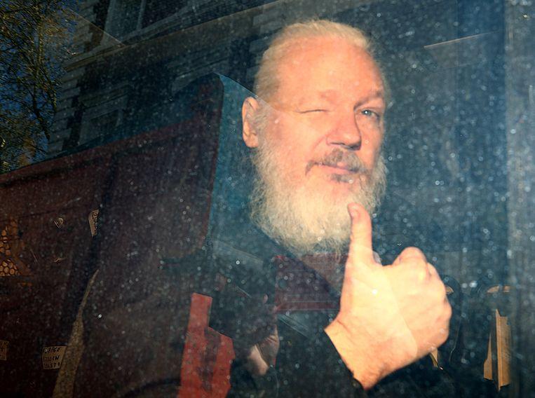Julian Assange is schuldig bevonden aan schenden voorwaarden voorlopige invrijheidstelling.