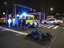 Motorrijder en scooterrijder gewond na aanrijding