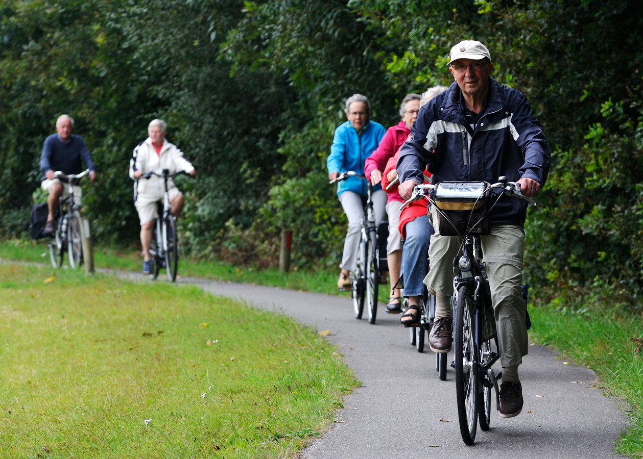 Fietsers op pad tijdens een eerder gehouden editie van de Vechtdal Fietsvierdaagse.