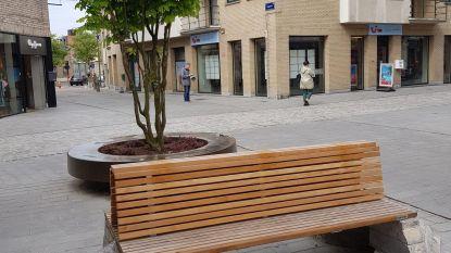 Stenen van Zennebrug gebruikt voor zitbanken