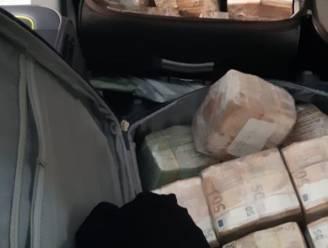 Bijna 13 miljoen cash gevonden bij drugsonderzoek in Amsterdam