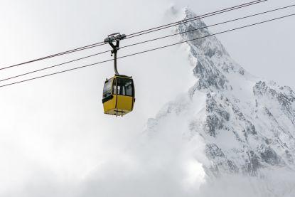 Tientallen skiërs gered in Oostenrijk nadat liften blokkeren door noodweer