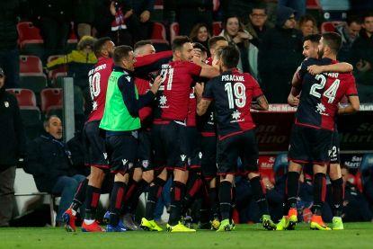 VIDEO. Mirallas ziet Cagliari-speler scoren vanop de middellijn, maar ref keurt doelpunt van het jaar in Italië gewoon af