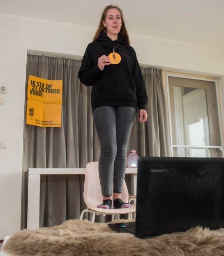 Vivian (27) staat thuis drie uur lang op een stoel voor actie Last Man Standing@home