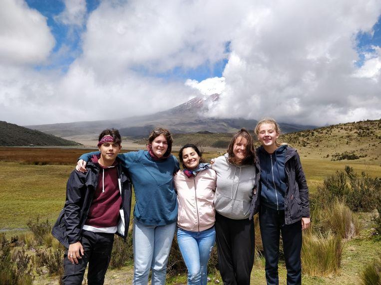 Marie Gladines met de andere ambassadeurs in Ecuador.