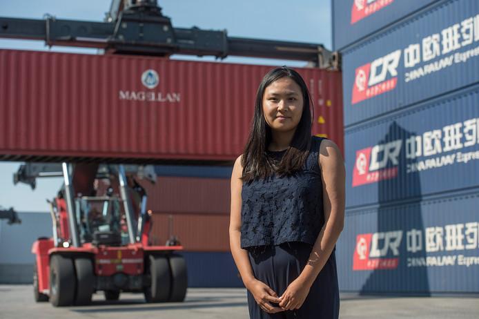 Jialu Zhang van het Tilburgse bedrijf GVT dat eigenaar is van de Railport Brabant.