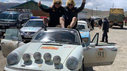 """14.000 kilometer zonder platte band"": Kalmthouts duo derde in rally tussen Peking en Parijs"