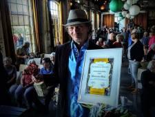 Streektaalprijs voor nummer van Jan Wilm Tolkamp dat 'naar de strot grijpt'