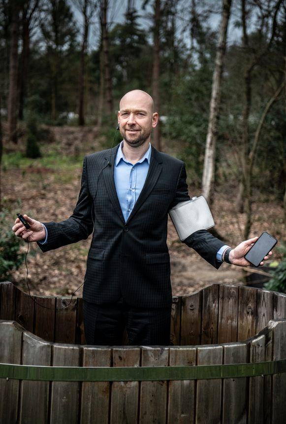 Peter van Eijndhoven hing zijn lijf vol wearables.