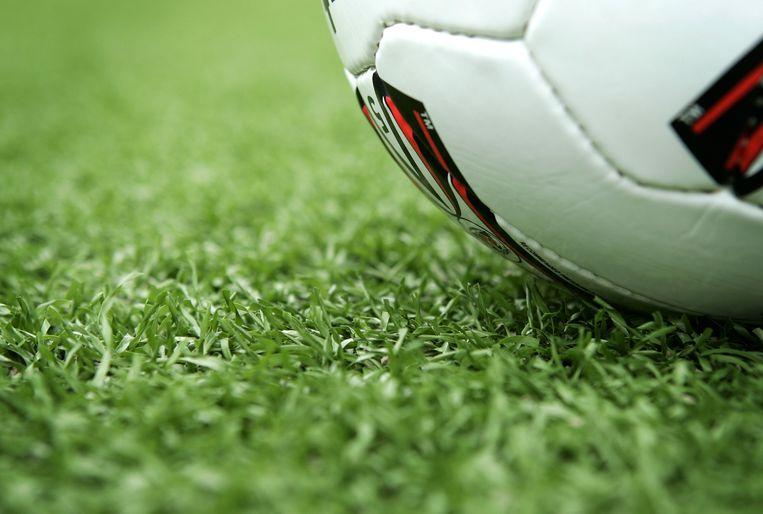 Bij SV Anzegem voetballen ze voortaan op kunstgras.