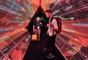 Bezoekers van consumentenelektronicabeurs CES in Las Vegas bekijken begin januari de presentatie van 5G technologie van Intel.