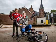 Woede in Wijhe om vandalisme bij basisschool: vernielde fiets van Julian (6) is de druppel