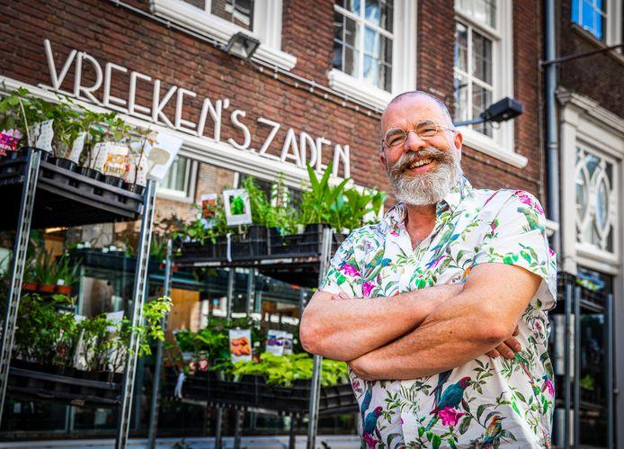 Ton Vreeken zoekt een opvolger voor Vreeken's Zaden aan de Voorstraat in Dordrecht