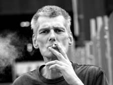 Verslaafd, dakloos én schrijver: Steven (57) liep schreeuwend over straat, maar was eigenlijk een heel lieve man
