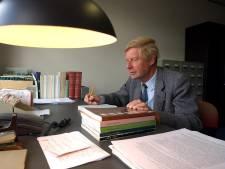Streektaalgoeroe Lex Schaars krijgt koninklijke onderscheiding