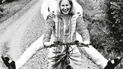 6.000 km op een damesfiets van 7 dollar: alles voor deze vrouw