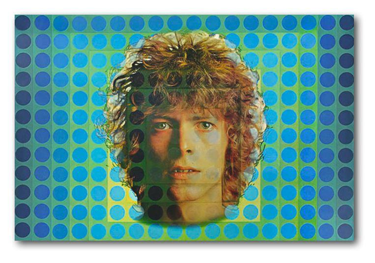 Platenhoes van David Bowie's 'Space Oddity', met op de achtergrond werk van Victor Vasarely.  Beeld TR BEELD