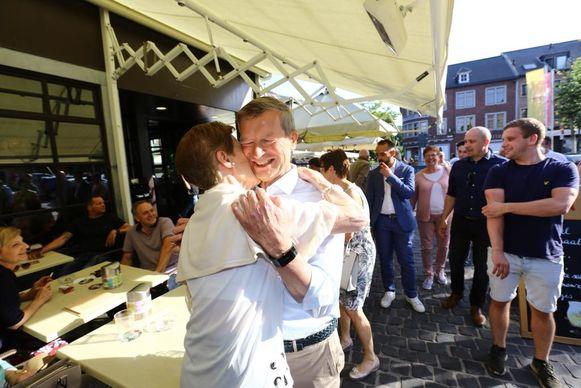 Sauwens wordt uiteraard stevig gefeliciteerd.