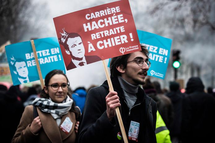 Manifestations contre le système de retraites à Paris, vendredi